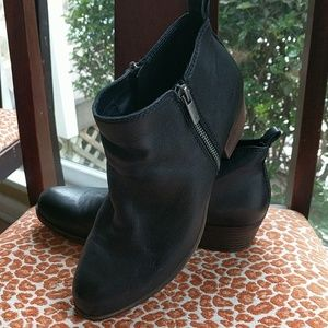 Black leather Lucky Brand Basel bootie